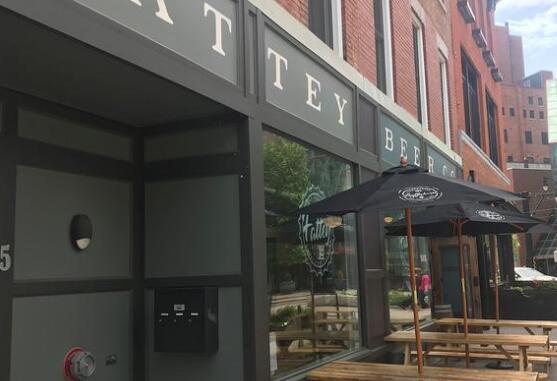 Fattey Beer扩大了增加了两个瓶装店再加上一个炸玉米饼联合店