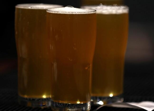 今天是全国啤酒日 这是人们一周喝多少啤酒