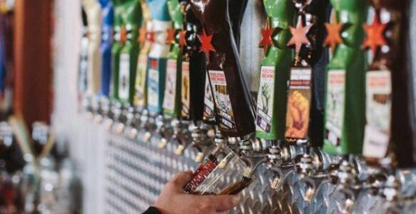 探索啤酒发布与Instagram之间的完美和谐