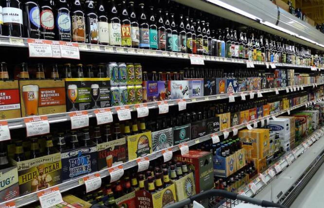 在杂货店选择合适啤酒的木log指南