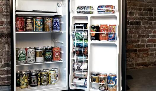 为一个繁忙的春天夏天准备好新闻的啤酒冰箱