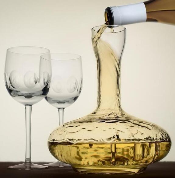 酒知识:白葡萄酒需要醒酒吗,4种特殊情况一定要醒酒