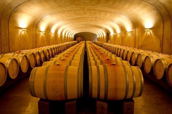 酒知识:橡木桶是葡萄酒的调味品,新旧橡木桶酿造出来的风味各不相同