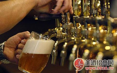 精酿啤酒成餐企跨界新宠