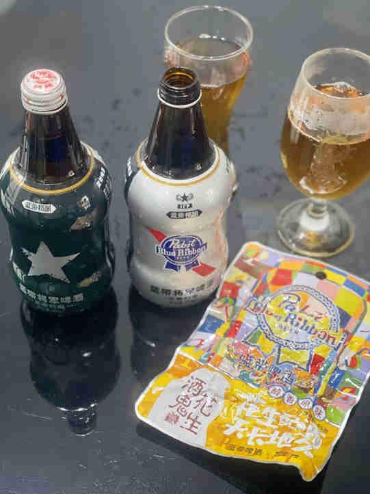 啤酒知识:蓝带啤酒联合酒鬼花生推出新品